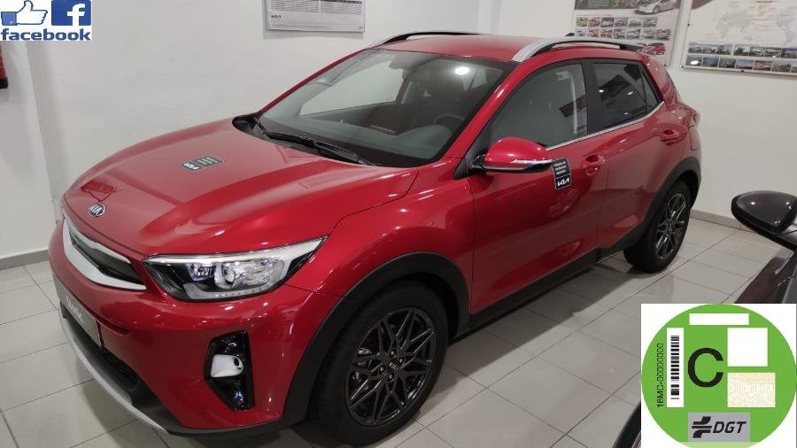 KIA Stonic Rojo Gasolina Automático 4x4 SUV 5 puertas 2021