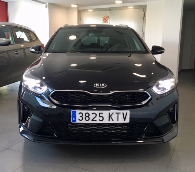 KIA Ceed Tourer Negro Gasolina Manual Familiar 5 puertas 2019