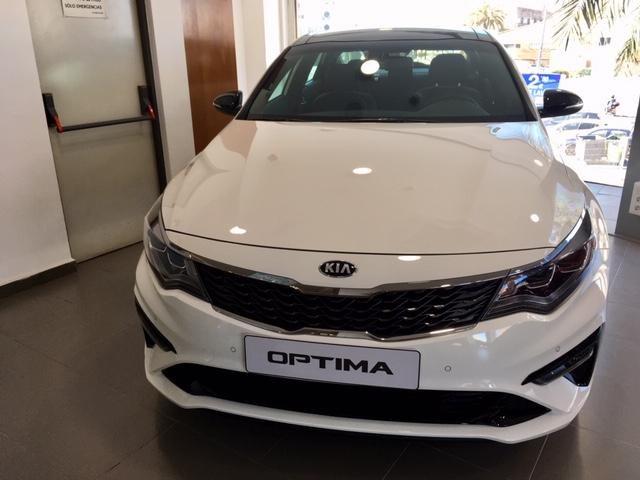 KIA Optima Blanco Gasolina Automático Berlina 4 puertas 2019