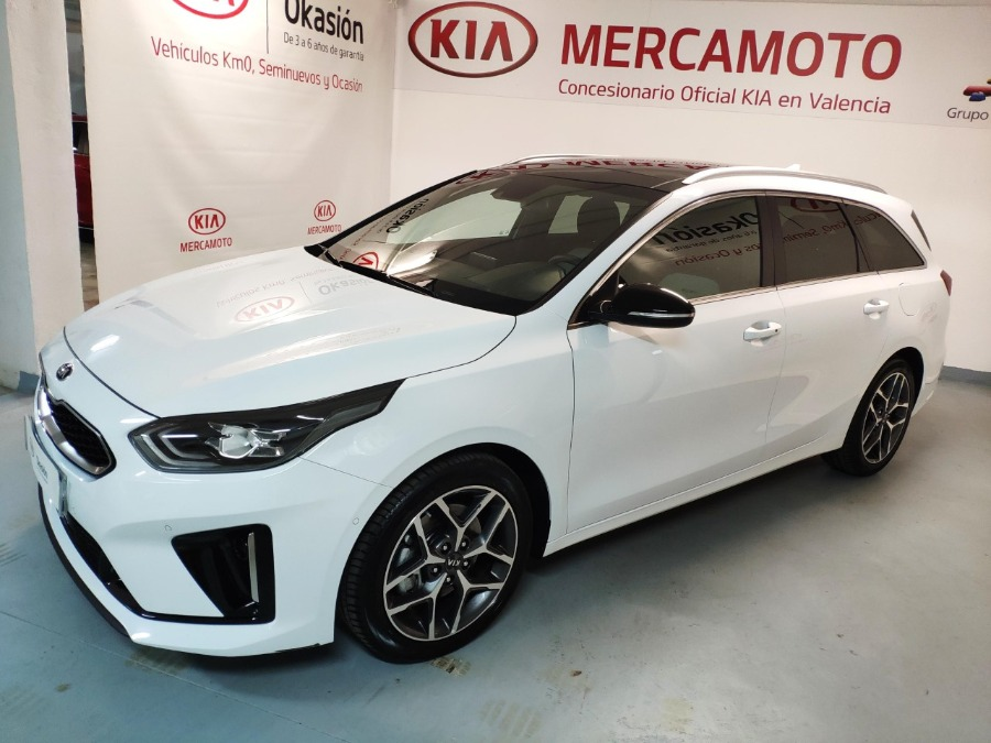 KIA Ceed Tourer Blanco Gasolina Manual Familiar 5 puertas 2019