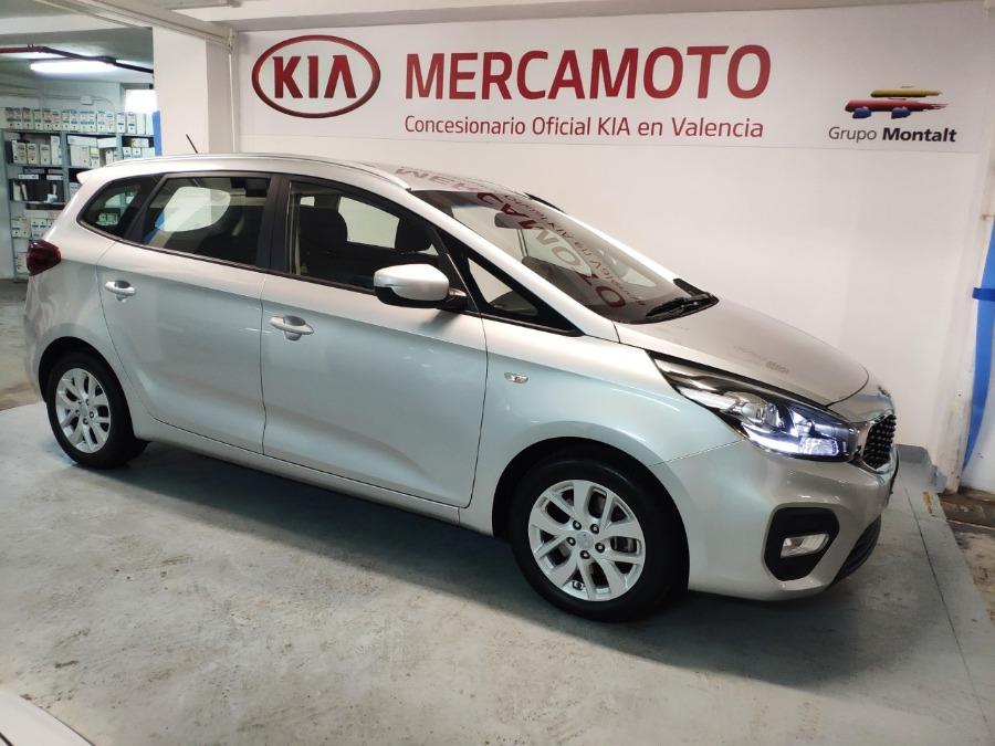 KIA Carens Gris / Plata Diesel Manual Monovolúmen 5 puertas 2018