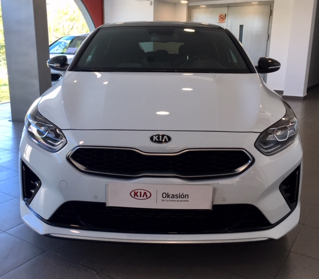KIA pro_cee'd Blanco Gasolina Manual Familiar 5 puertas 2019