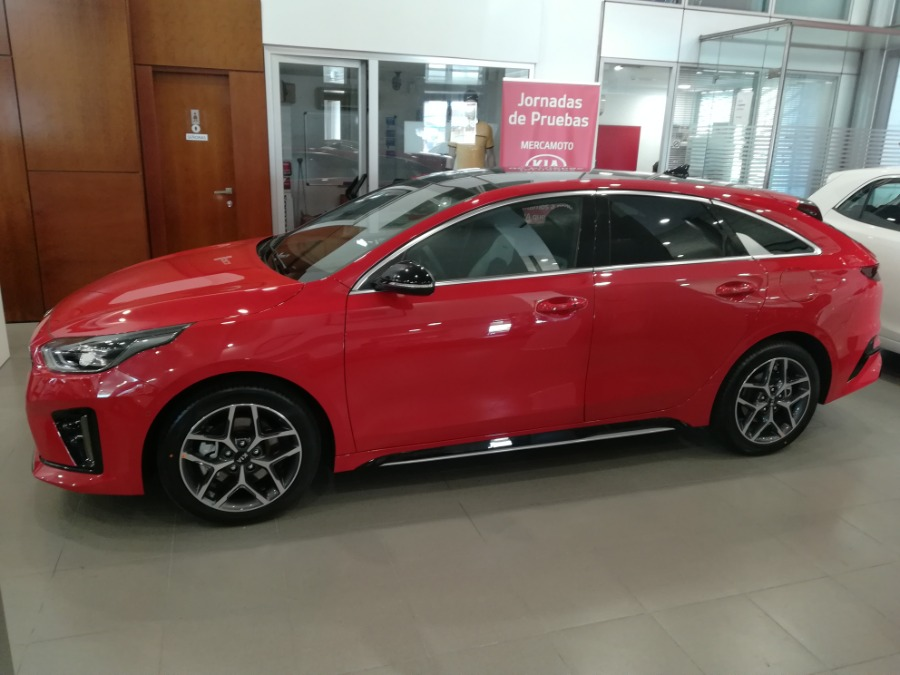 KIA pro_cee'd Rojo Gasolina Manual Familiar 5 puertas 2019