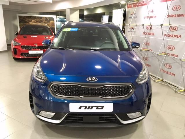 KIA Niro Azul Eléctrico / Híbrido Automático Berlina 5 puertas 2018