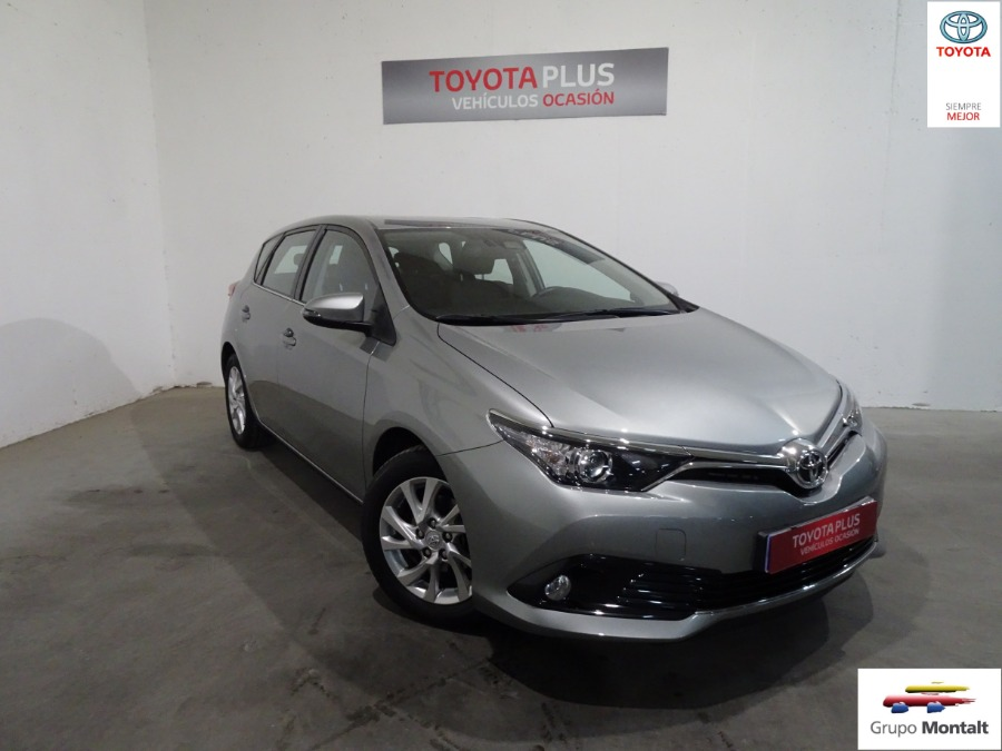 TOYOTA Auris Gris / Plata Gasolina Manual Berlina 5 puertas 2018