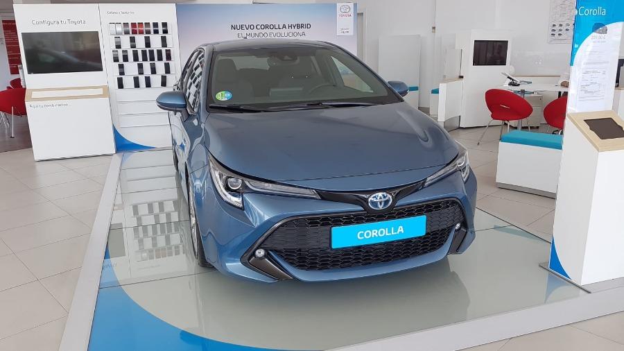 TOYOTA Corolla Azul Eléctrico / Híbrido Automático Berlina 5 puertas 2019