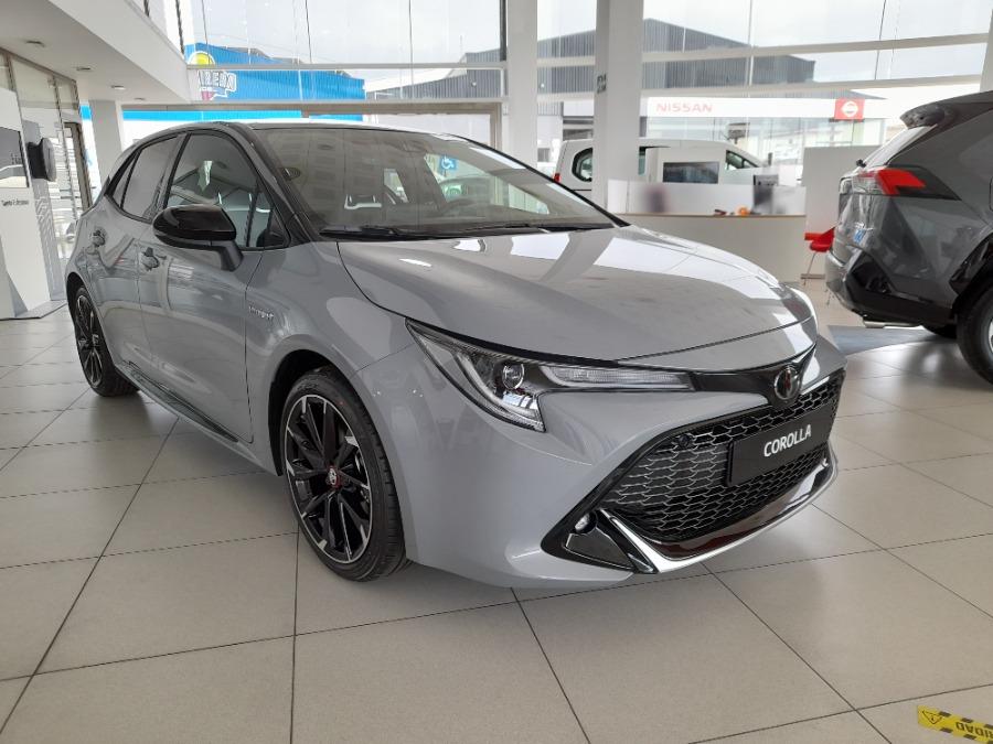 TOYOTA Corolla Gris / Plata Eléctrico / Híbrido Automático Berlina 5 puertas 2021