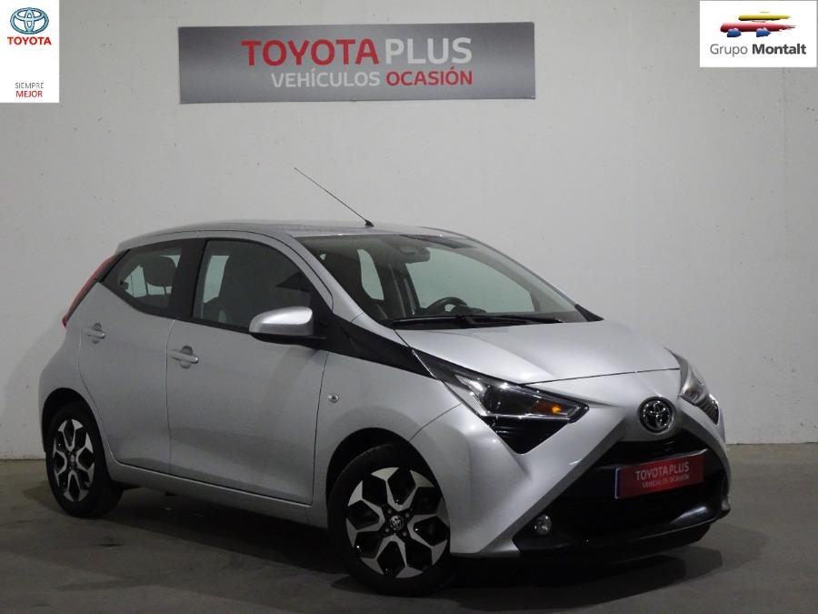 TOYOTA Aygo Gris / Plata Gasolina Manual Berlina 5 puertas 2019