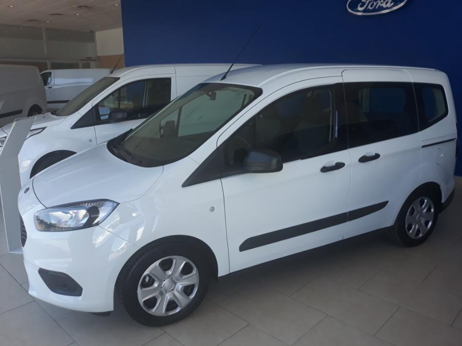 FORD Tourneo Courier Blanco Gasolina Manual Monovolúmen 5 puertas 2019
