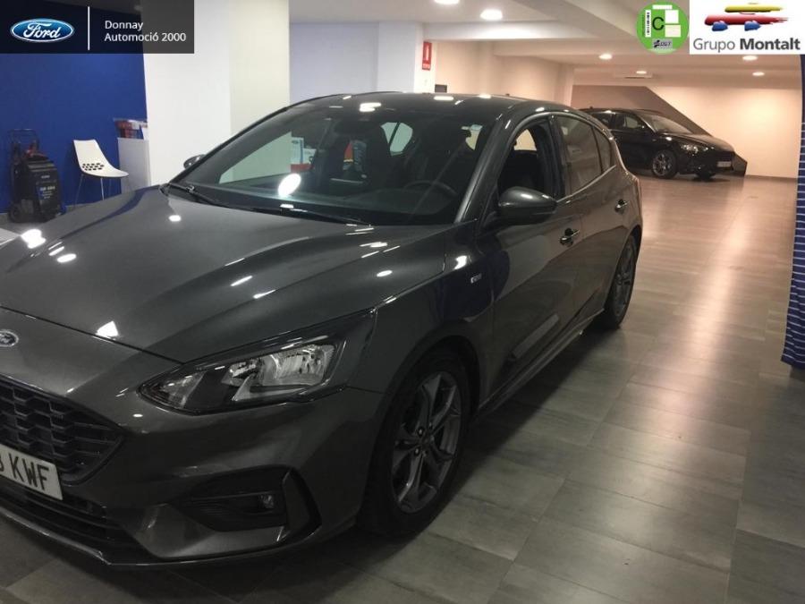 FORD Focus Gris / Plata Diesel Automático Berlina 5 puertas 2017