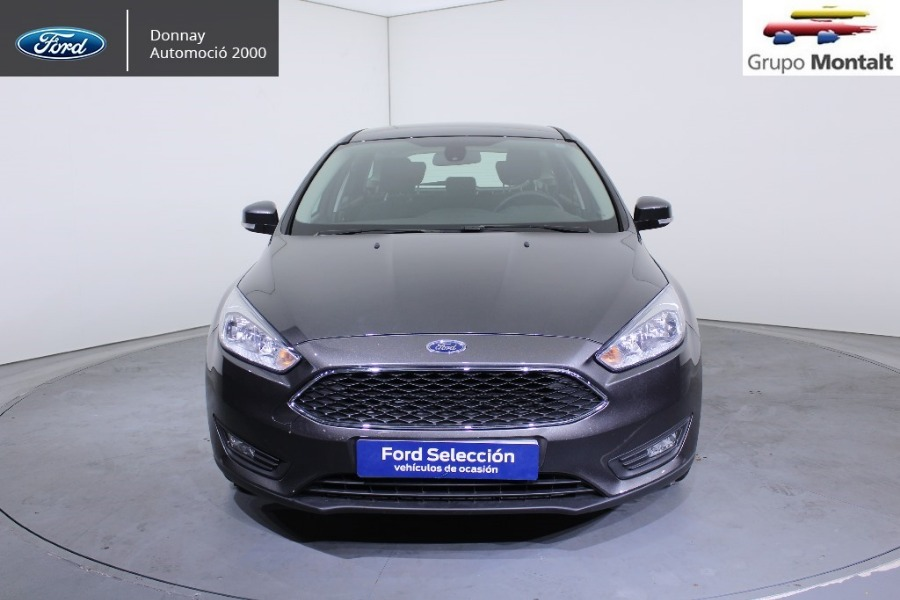 FORD Focus Gris / Plata Gasolina Manual Familiar 5 puertas 2018