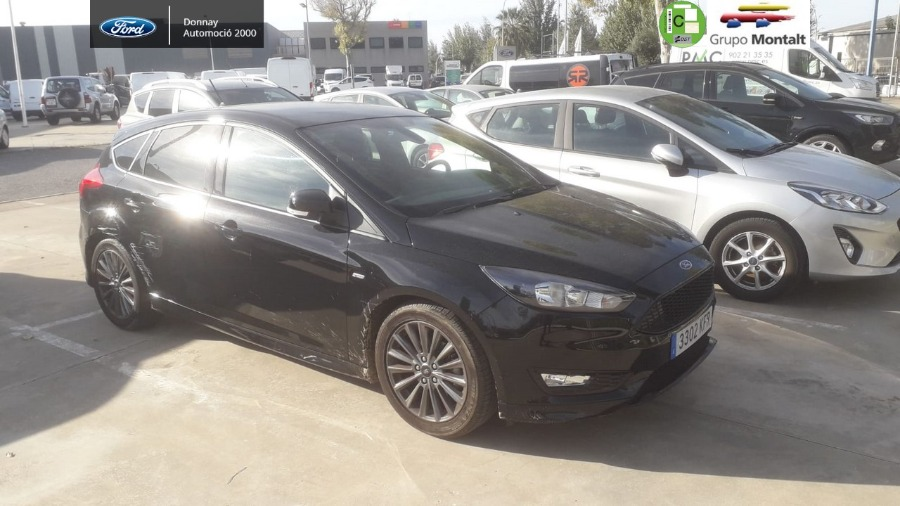 FORD Focus Negro Gasolina Manual Berlina 5 puertas 2017