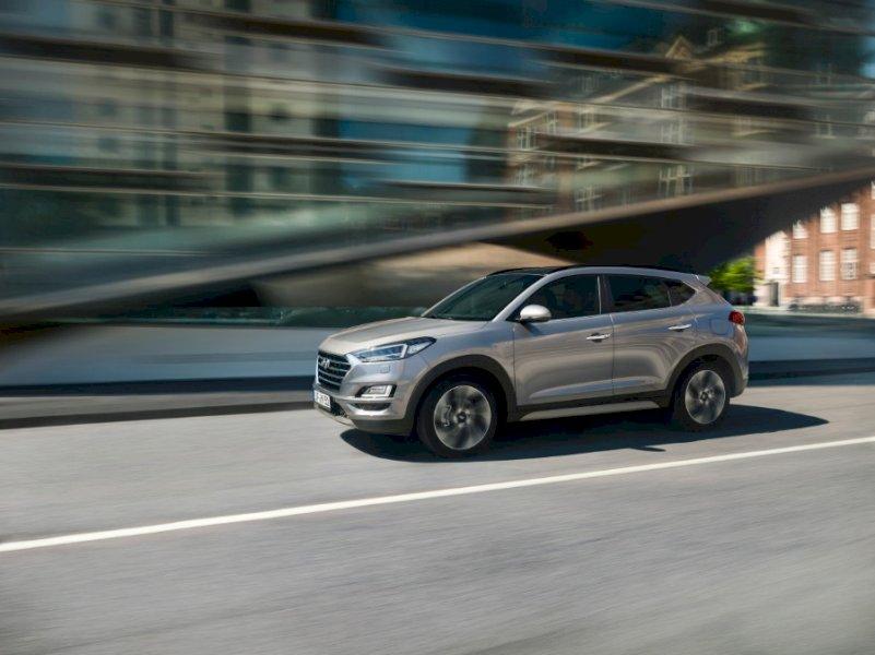 HYUNDAI TUCSON Beige Gasolina Manual 4x4 SUV 5 puertas 2018