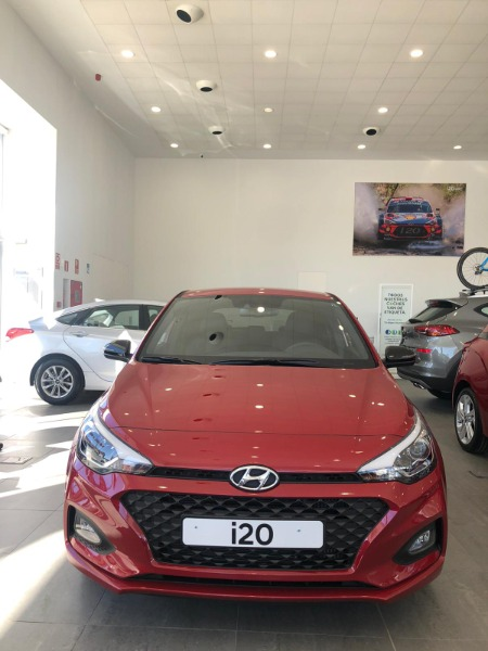 HYUNDAI i20 Granate Gasolina Manual Berlina 5 puertas 2019