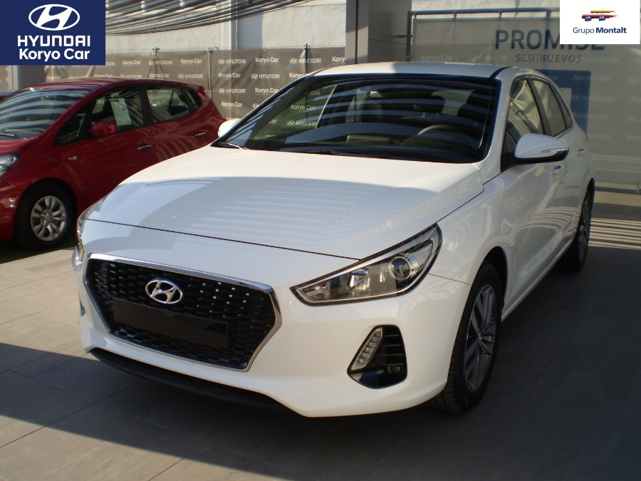 HYUNDAI i30 Blanco Diesel Manual Berlina 5 puertas 2018