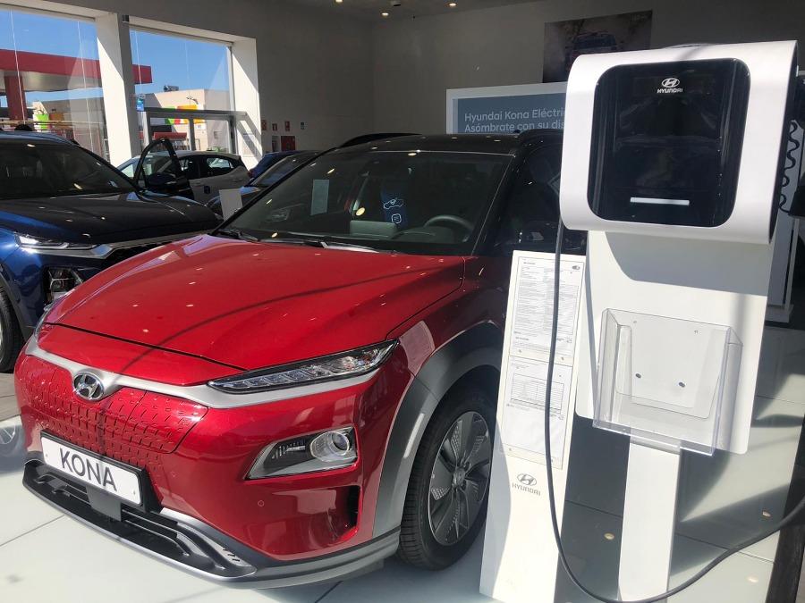 HYUNDAI Kona Rojo Eléctrico / Híbrido Automático 4x4 SUV 5 puertas 2020