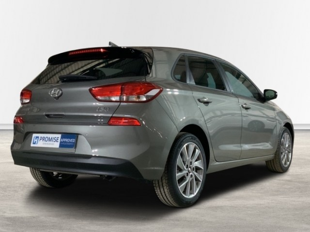 HYUNDAI i30 Marrón Gasolina Manual Berlina 5 puertas 2019