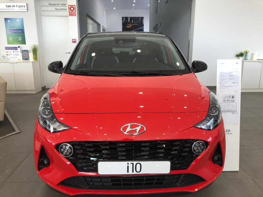 HYUNDAI i10 Rojo Gasolina Manual Berlina 5 puertas 2020