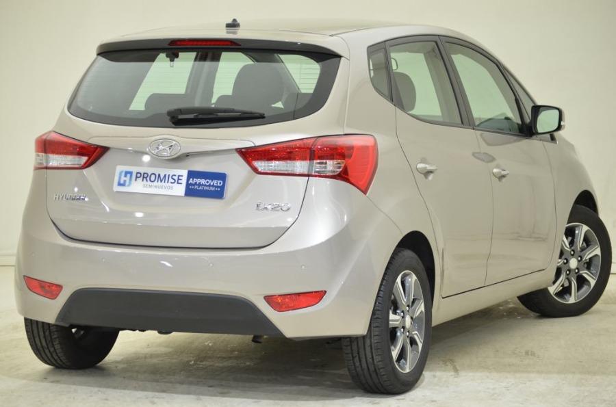 HYUNDAI ix20 Beige Gasolina Manual Monovolúmen 5 puertas 2017
