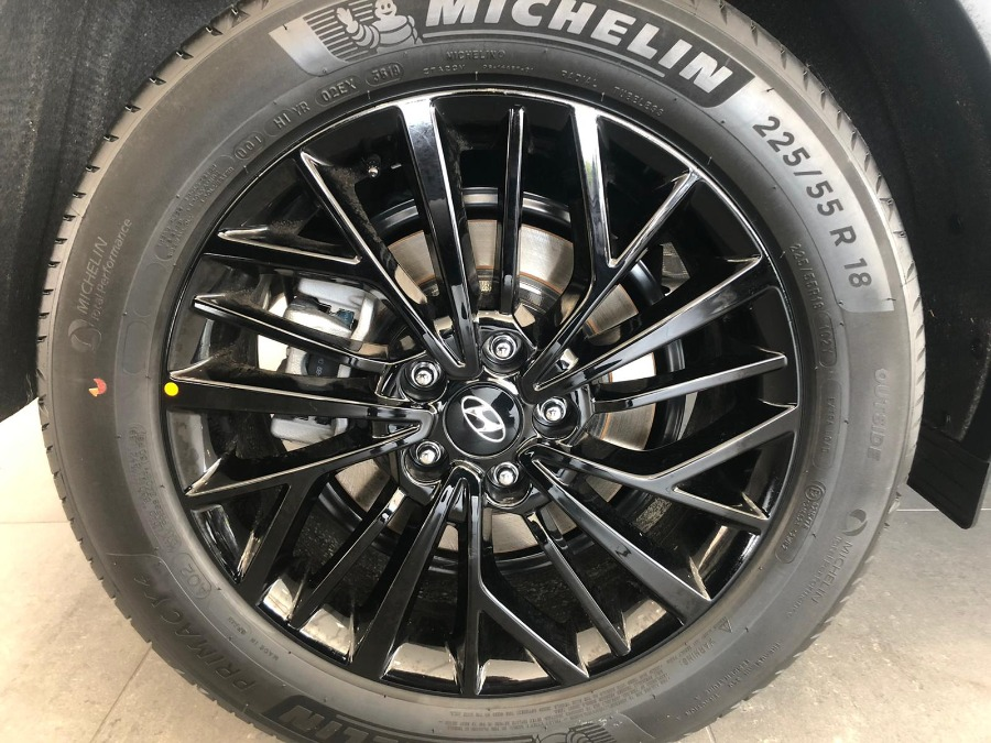 HYUNDAI TUCSON Gris / Plata Gasolina Manual 4x4 SUV 5 puertas 2020