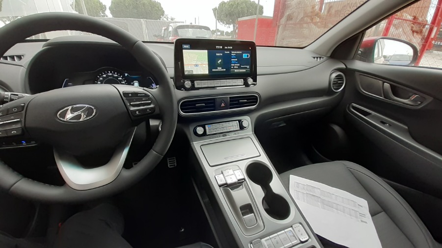 HYUNDAI Kona Granate Eléctrico / Híbrido Automático 4x4 SUV 5 puertas 2019