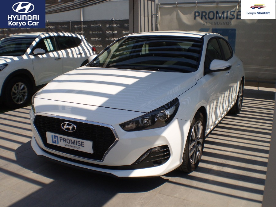 HYUNDAI i30 Blanco Gasolina Manual Berlina 5 puertas 2018