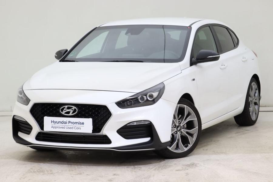 HYUNDAI i30 Blanco Gasolina Automático Berlina 5 puertas 2020