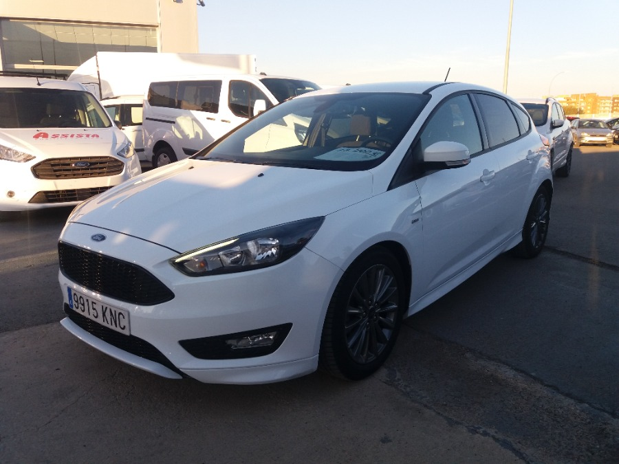 FORD Focus Blanco Gasolina Manual Berlina 5 puertas 2018