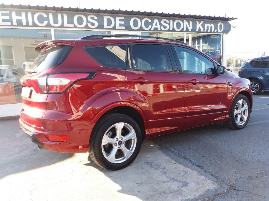 FORD Kuga Granate Diesel Automático 4x4 SUV 5 puertas 2018