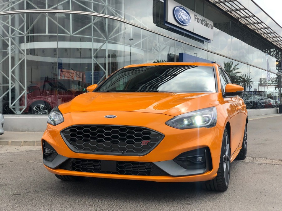 FORD Focus Naranja Gasolina Manual Berlina 5 puertas 2020