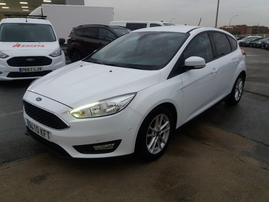 FORD Focus Blanco Gasolina Manual Berlina 5 puertas 2017