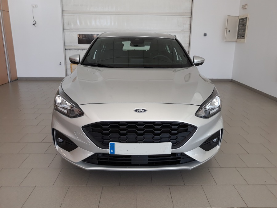 FORD Focus Gris / Plata Diesel Manual Berlina 5 puertas 2019