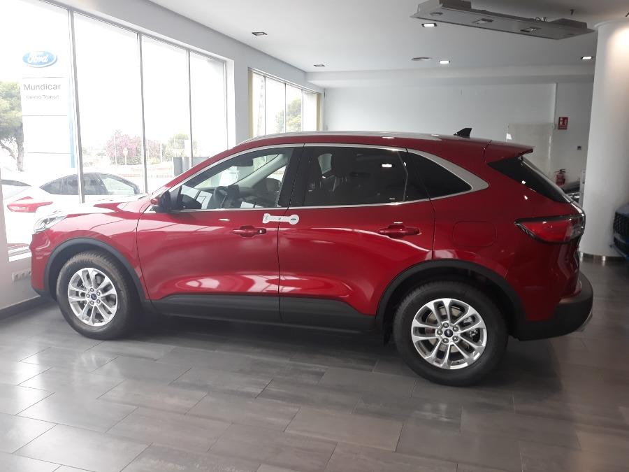 FORD Kuga Rojo Gasolina Manual 4x4 SUV 5 puertas 2020
