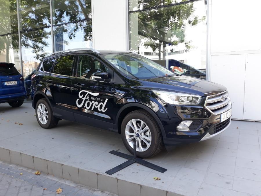 FORD Kuga Negro Diesel Manual 4x4 SUV 5 puertas 2019