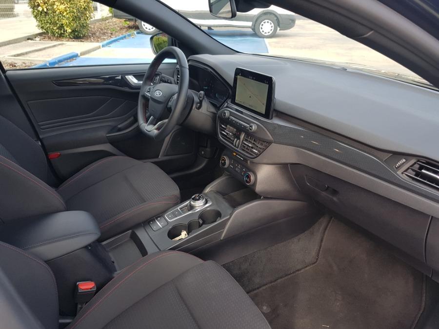FORD Focus Azul Diesel Automático Berlina 5 puertas 2019