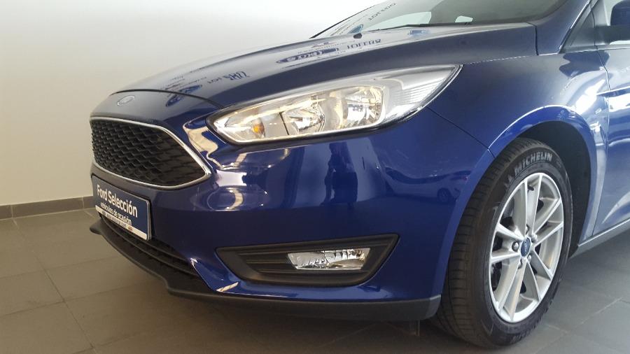 FORD Focus Azul Gasolina Manual Berlina 5 puertas 2017