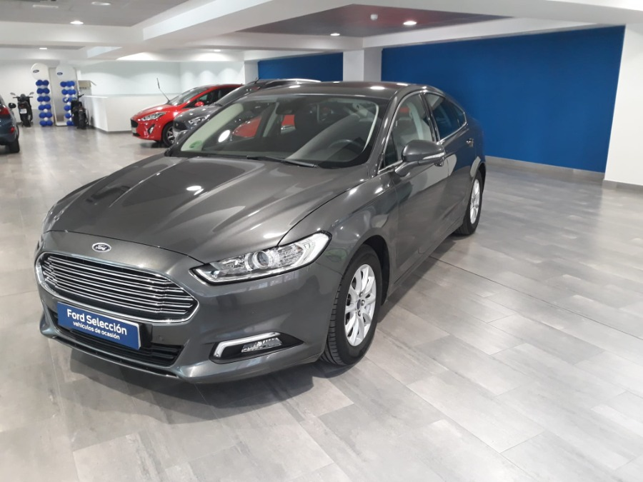 FORD Mondeo Gris / Plata Gasolina Manual Berlina 5 puertas 2017