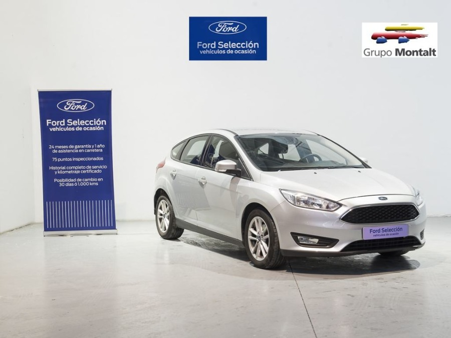 FORD Focus Gris / Plata Gasolina Manual Berlina 5 puertas 2018