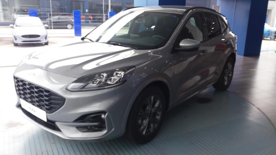 FORD Kuga Gris / Plata Eléctrico / Híbrido Manual 4x4 SUV 5 puertas 2020