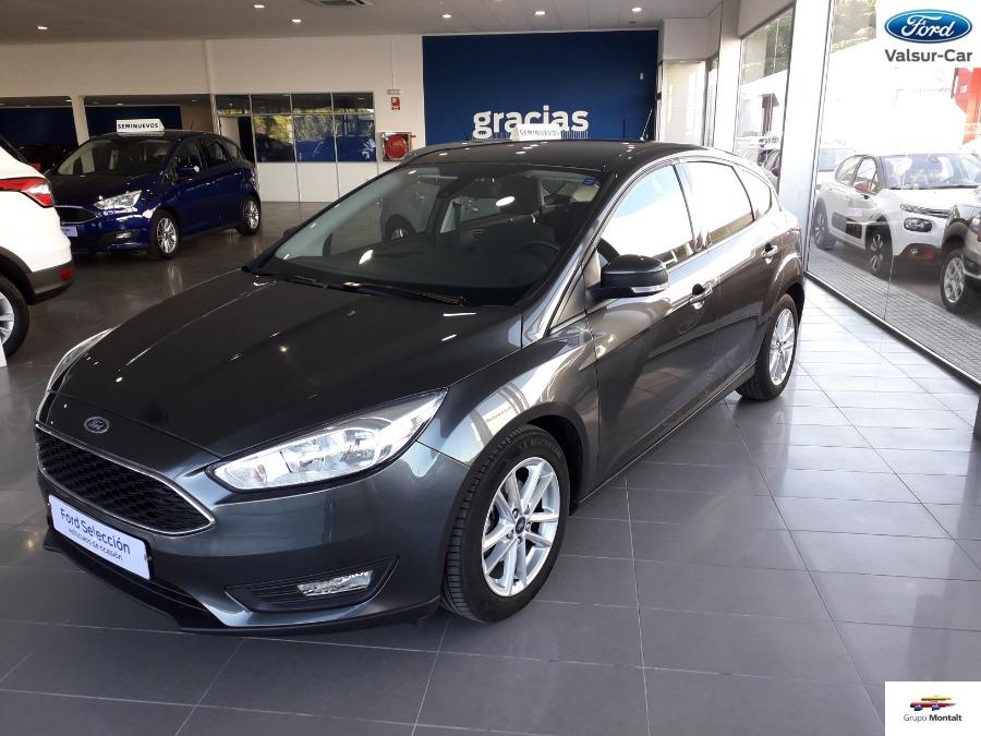 FORD Focus Gris / Plata Gasolina Automático Berlina 5 puertas 2018