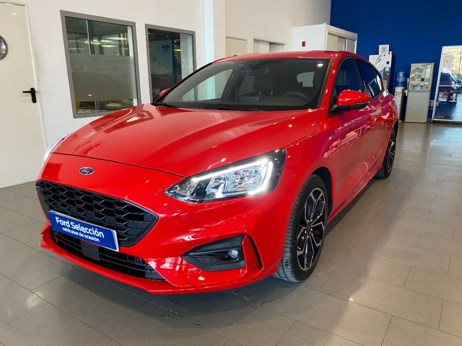 FORD Focus Rojo Gasolina Manual Berlina 5 puertas 2020