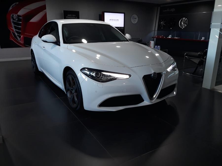 Alfa Romeo Giulia Blanco Diesel Manual Berlina 4 puertas 2020
