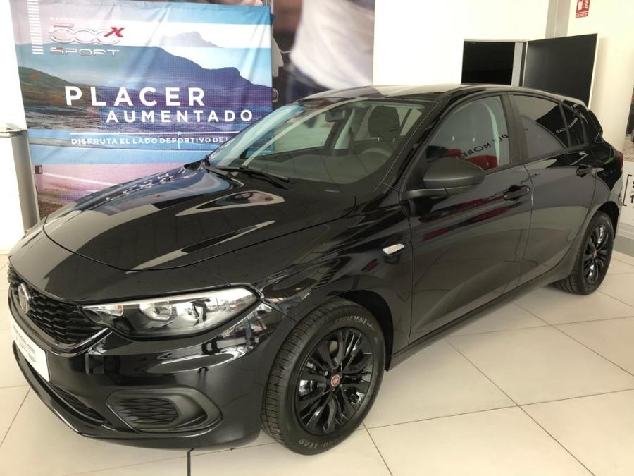 FIAT Tipo Negro Gasolina Manual Berlina 5 puertas 2020