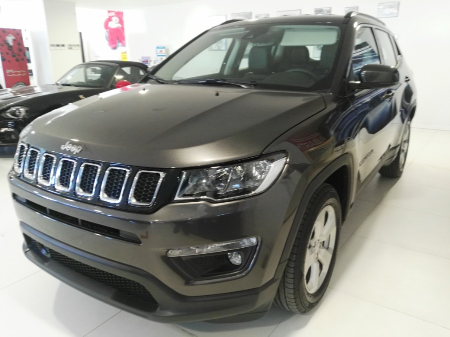 JEEP Compass Gris / Plata Gasolina Manual 4x4 SUV 5 puertas 2019