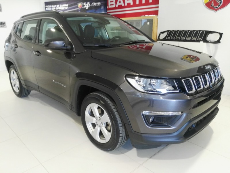 JEEP Compass Gris / Plata Gasolina Manual 4x4 SUV 5 puertas 2020