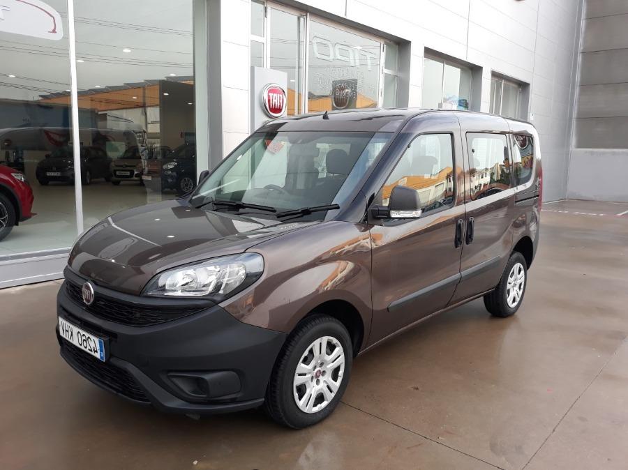 FIAT Doblò Marrón Diesel Manual Industriales 5 puertas 2018
