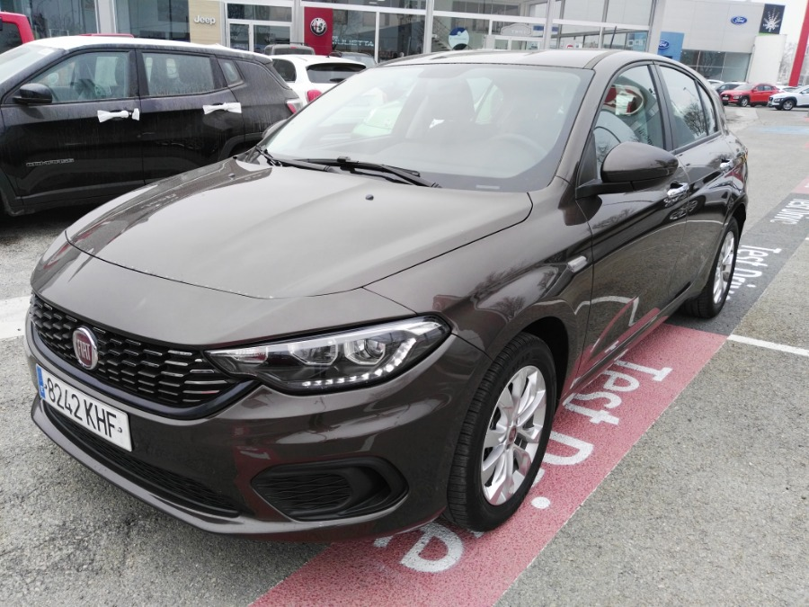 FIAT Tipo Marrón Gasolina Manual Berlina 5 puertas 2018