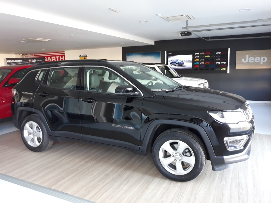 JEEP Compass Negro Gasolina Manual 4x4 SUV 5 puertas 2020