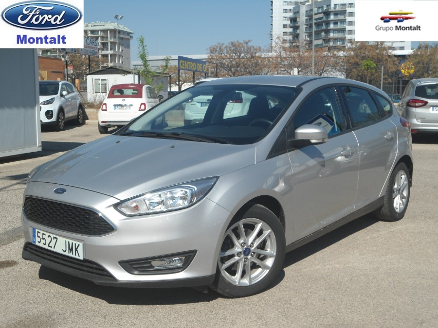 FORD Focus Gris / Plata Diesel Manual Berlina 5 puertas 2016