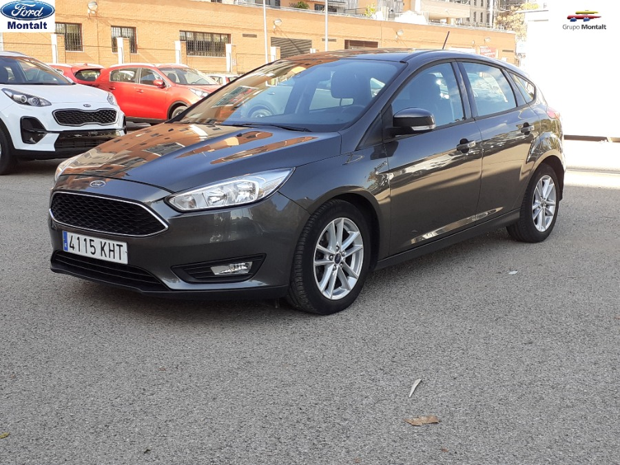 FORD Focus Gris / Plata Gasolina Manual Berlina 5 puertas 2018